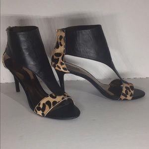 Dorado by Carlos Santana animal skin leopard